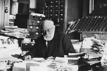 Paul Otlet working in his office in the 1930s